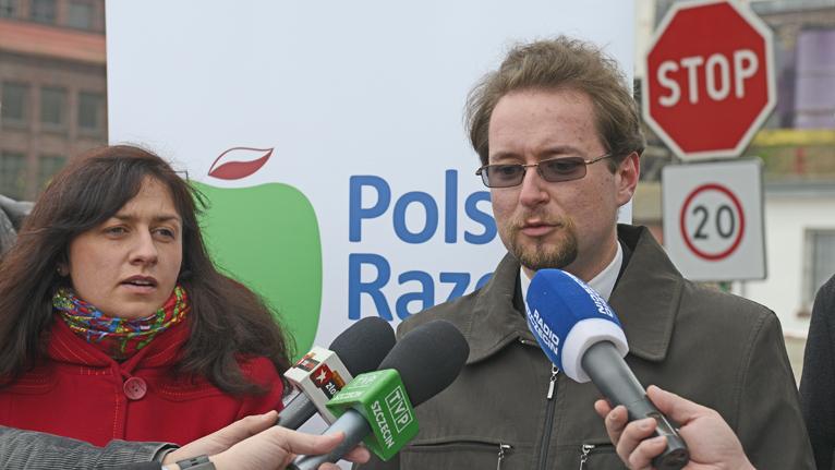 Polska Razem: Niech rząd weźmie się do pracy, a nie nagrywa spot i radosnego premiera