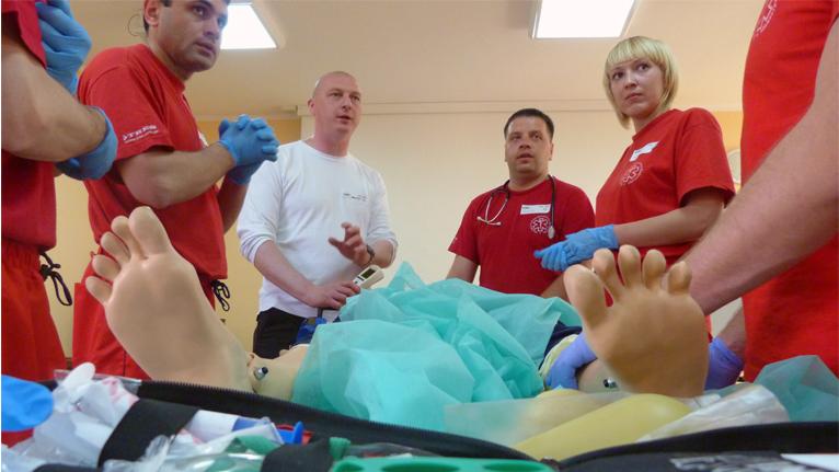 Polscy ratownicy szkolą ukraińskich lekarzy [ZDJĘCIA, WIDEO]