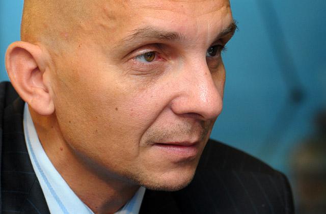 Burmistrz Robert Krupowicz ma nadzieję, że po tych zmianach wydatki na linię miejską nie zwiększą się. Fot. Łukasz Szełemej [Radio Szczecin/Archiwum]
