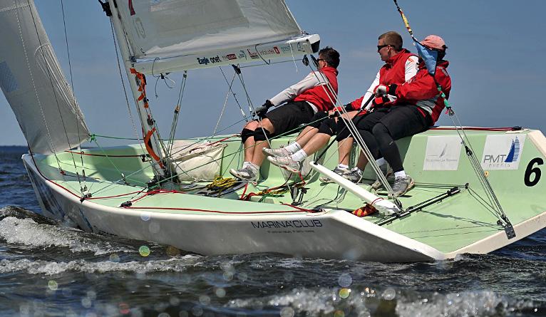 Światowa czołówka żeglarzy ściga się na Jeziorze Dąbie w Szczecinie [ZDJĘCIA]