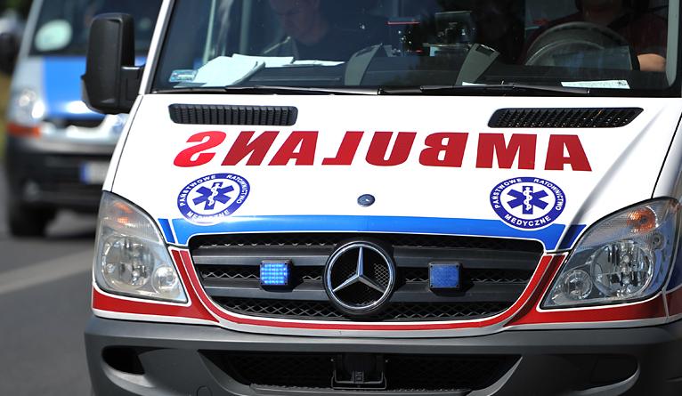 Wypadek na Arkonce. Mężczyzna z rozbitą głową trafił do szpitala