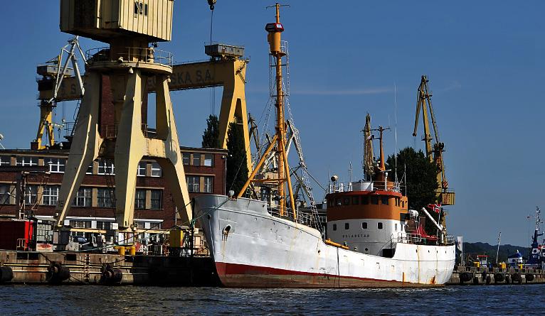 Najstarszy norweski statek do połowu fok, Polarstar, jest odbudowywany w Szczecinie. Fot. Łukasz Szełemej [Radio Szczecin]