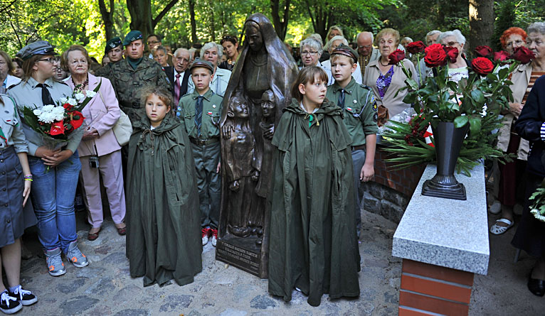 Rocznica sowieckiej napaści na Polskę. W Szczecinie odsłonięto nowy pomnik [ZDJĘCIA]
