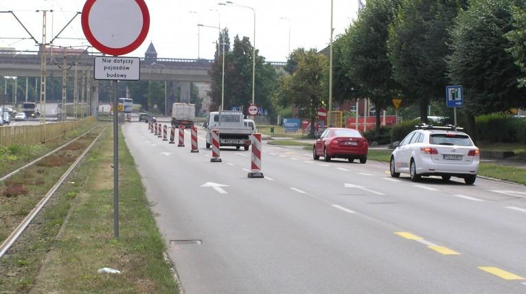 Od dwóch tygodni nie widać pracowników remontujących torowisko od Mostu Długiego do Basenu Górniczego w Szczecinie. Fot. Marek Borowiec [Radio Szczecin/Archiwum]