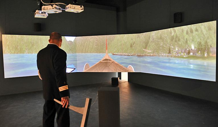 Symulator łodzi wikingów jedną z atrakcji wystawy w Muzeum Narodowym w Szczecinie [ZDJĘCIA]