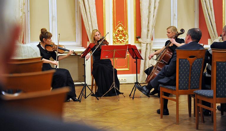 Koncert i zbiórka darów dla Polaków na Litwie [ZDJĘCIA]