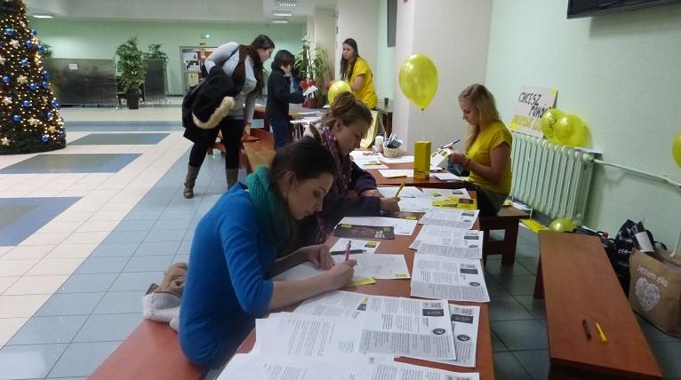 Około tysiąca listów napisali uczestnicy maratonu Amnesty International