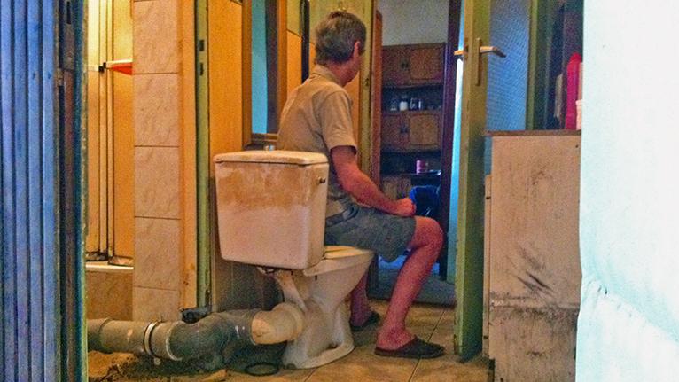 Potrzeba 100 mln zł na zamontowanie toalet w mieszkaniach komunalnych