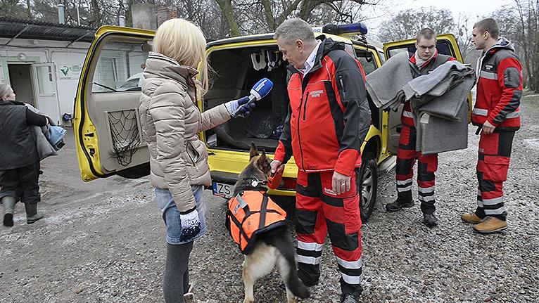Na co dzień ratują ludzi, ale pamiętają też o zwierzętach [WIDEO]
