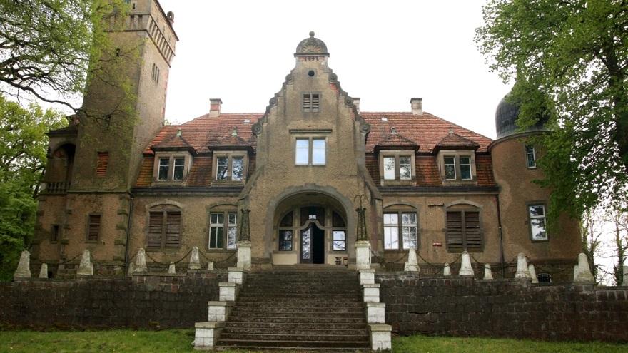 600-letni folwark rodziny von Sydov wystawiony na sprzedaż