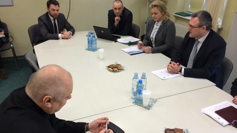 Rozmowy w sprawie DPS-u. Przerwa w negocjacjach