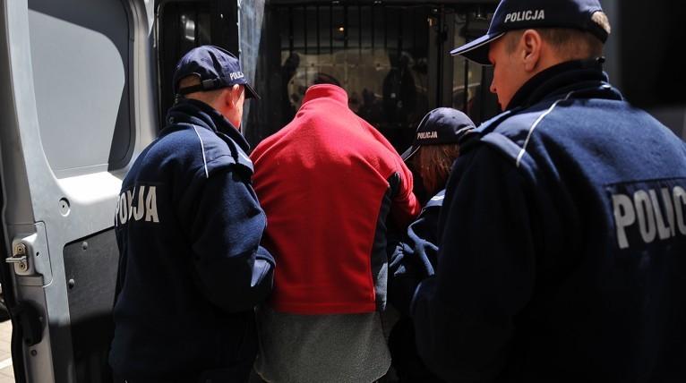 Trzech nastolatków brutalnie napadało na ludzi. Są w rękach policji