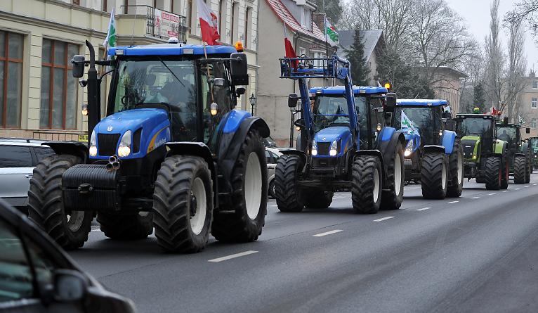 Rolnicy przedłużają protest w Warszawie