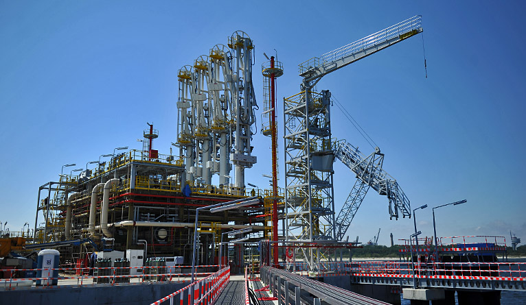 Politycy komentują raport NIK-u w sprawie terminalu gazowego