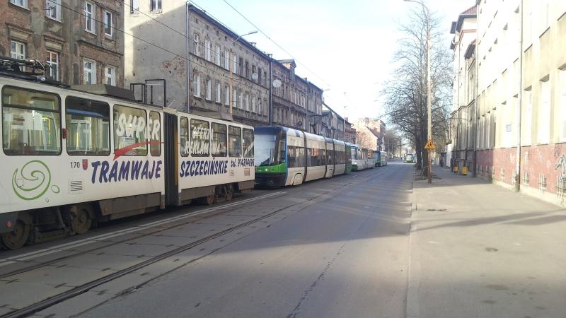 Szczecin: Na Powstańców Wielkopolskich stanęły tramwaje [WIDEO]