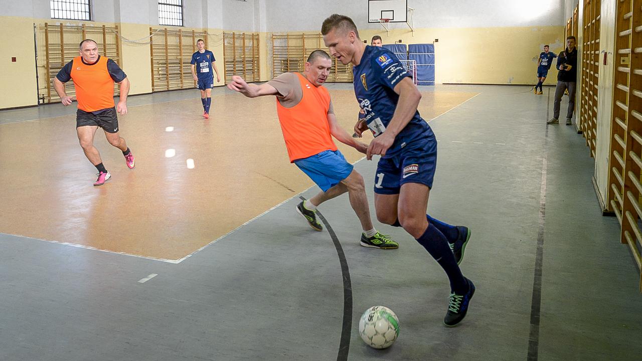 Nietypowy turniej piłkarski w goleniowskim więzieniu [ZDJĘCIA]