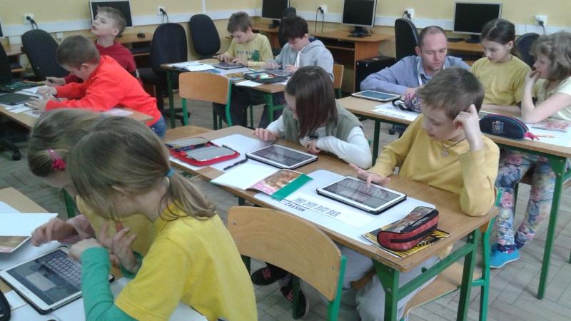 Uczniowie pięciu szkół w Szczecinie otrzymali tablety. Fot. Paulina Sawicka [Radio Szczecin]