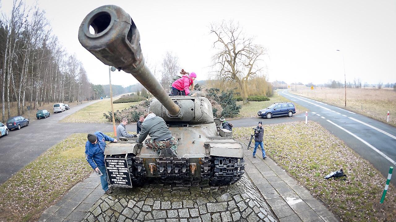Wielkie czyszczenie wielkiego czołgu [ZDJĘCIA, WIDEO]