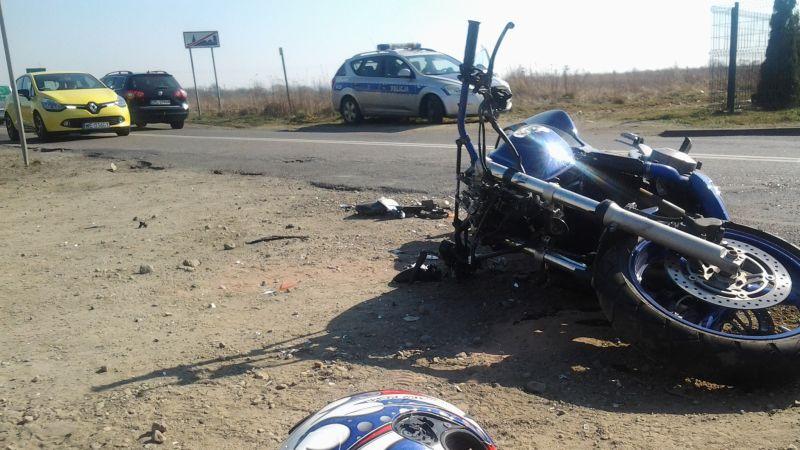 Motocyklista zderzył się z ciężarówką