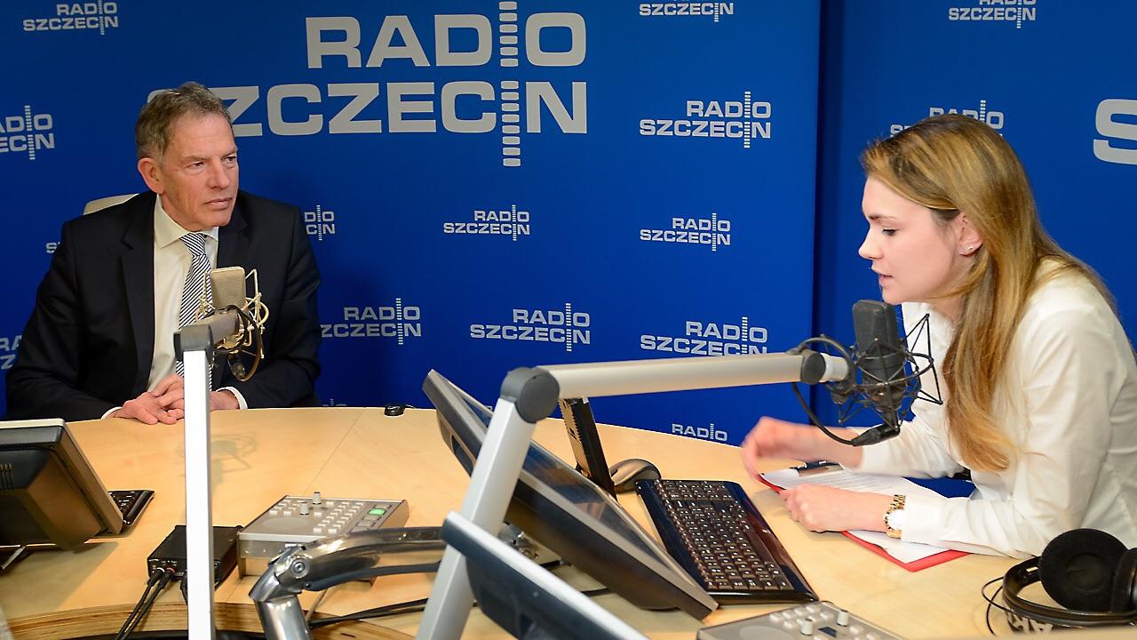 """Dariusz Rosati był gościem audycji """"Rozmowy pod krawatem"""". Fot. Jarosław Gaszyński [Radio Szczecin]"""