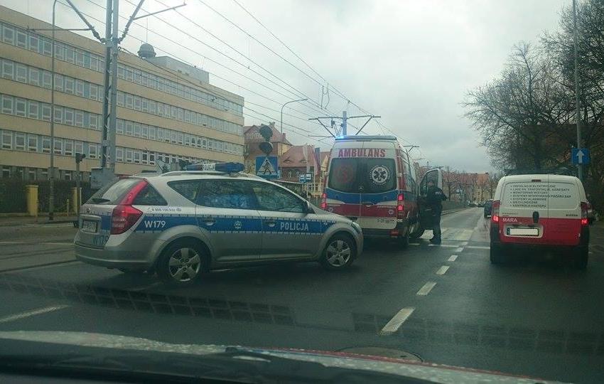 Dwa auta zderzyły się na Mickiewicza [NOWE]