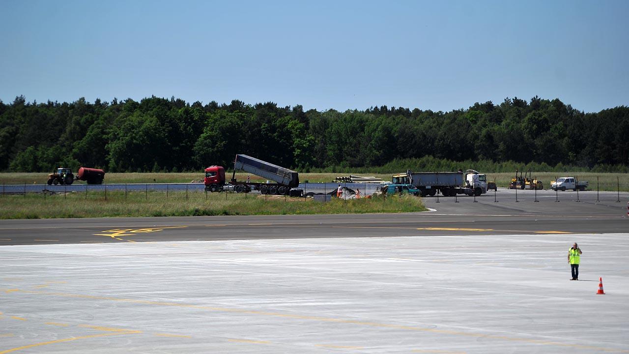 Remont goleniowskiego lotniska na finiszu [ZDJĘCIA]