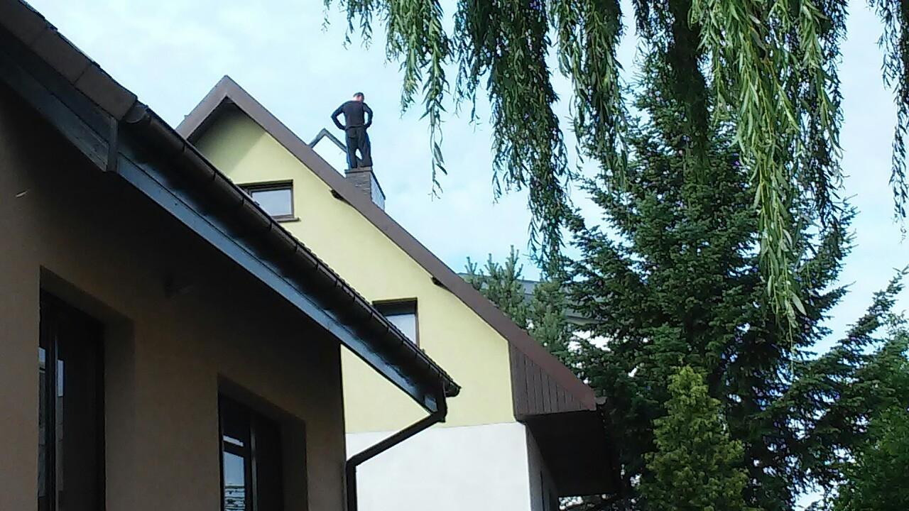 Spędził na dachu niemal dobę. Desperat z Gumieniec schwytany