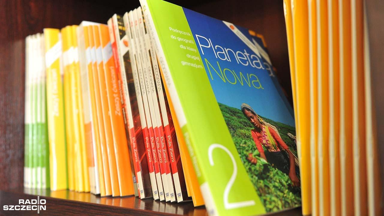 Problemy z darmowymi podręcznikami to jednostkowe przypadki