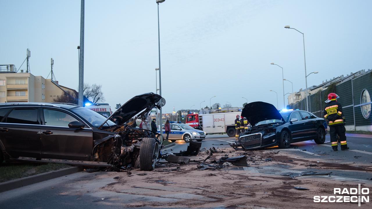 Wypadek na Niebuszewie. Zderzyły się dwa auta [ZDJĘCIA]