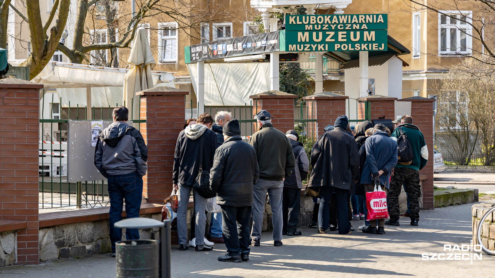 Szczecińska restauracja pomaga. Sto obiadów dziennie - tak nazywa się akcja Sorrento.