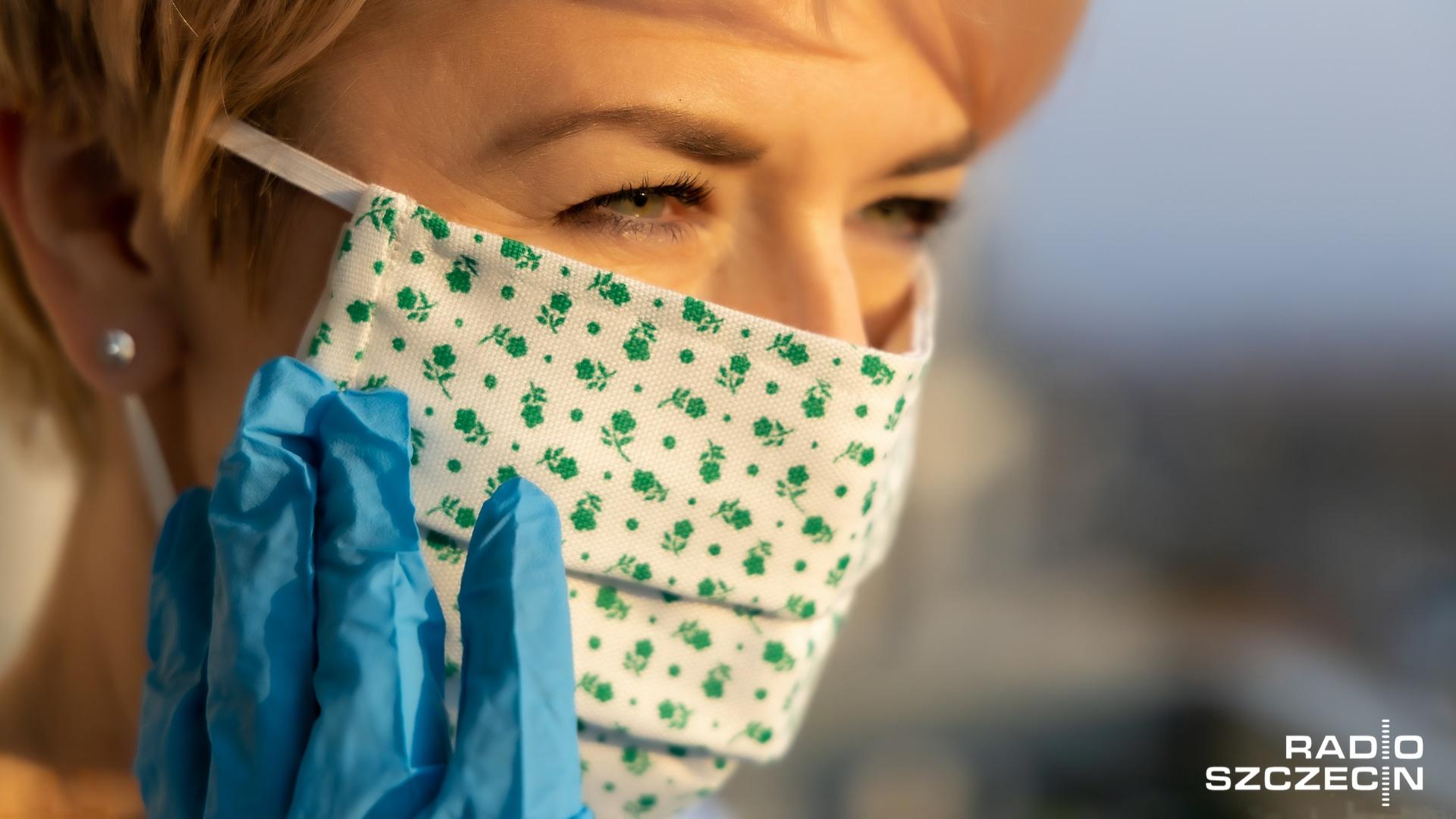 Chińskie media apelują do społeczeństwa, że pomimo nieznacznej liczby nowych przypadków zakażenia koronawirusem - zagrożenie infekcją wciąż istnieje.